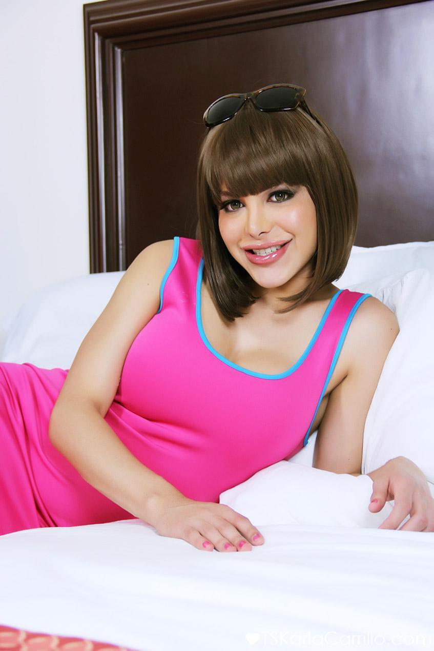 Big penis Tranny Karla Carrillo flaunting the goods